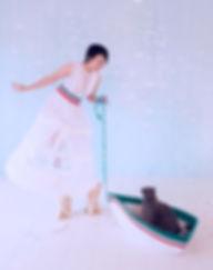 On the way, fashion installation art, recycled materials, paper, plastic, foam, plaxiglass
