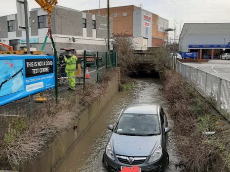 Firefighters Rescue Elderly Driver After Crashing Into Canal