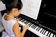 76000dziecko-pianino_88784613.jpg