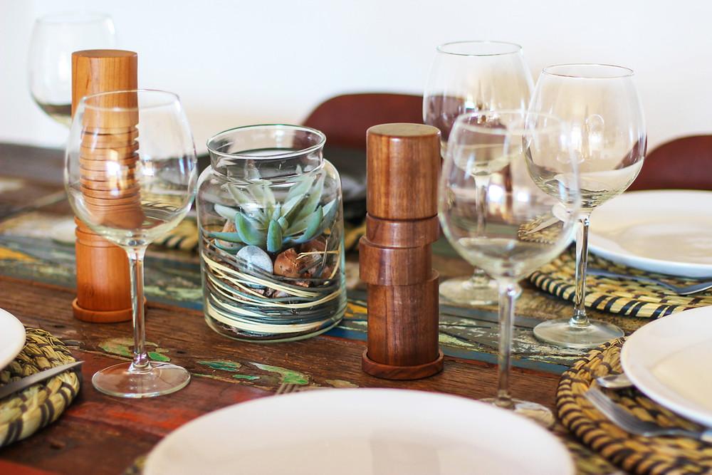 sara-dubler-unsplash-table-setting