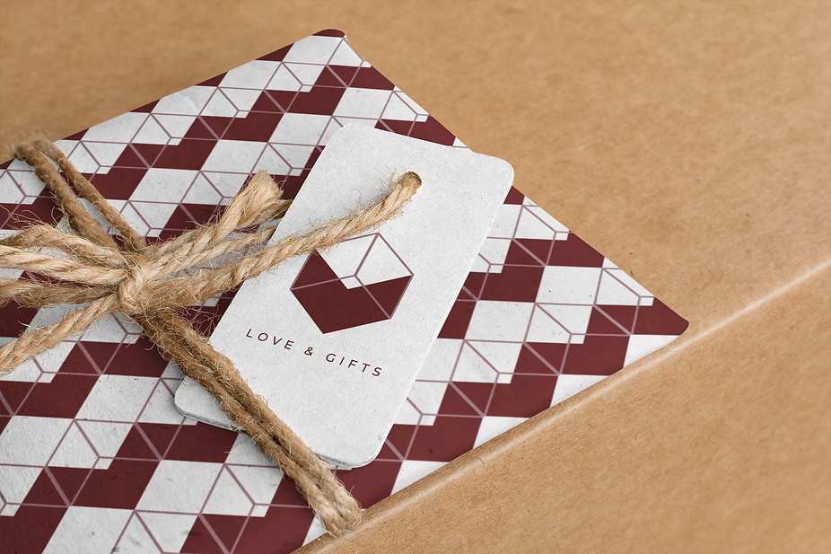 brand-tag-mockup-featuring-a-gift-wrappe