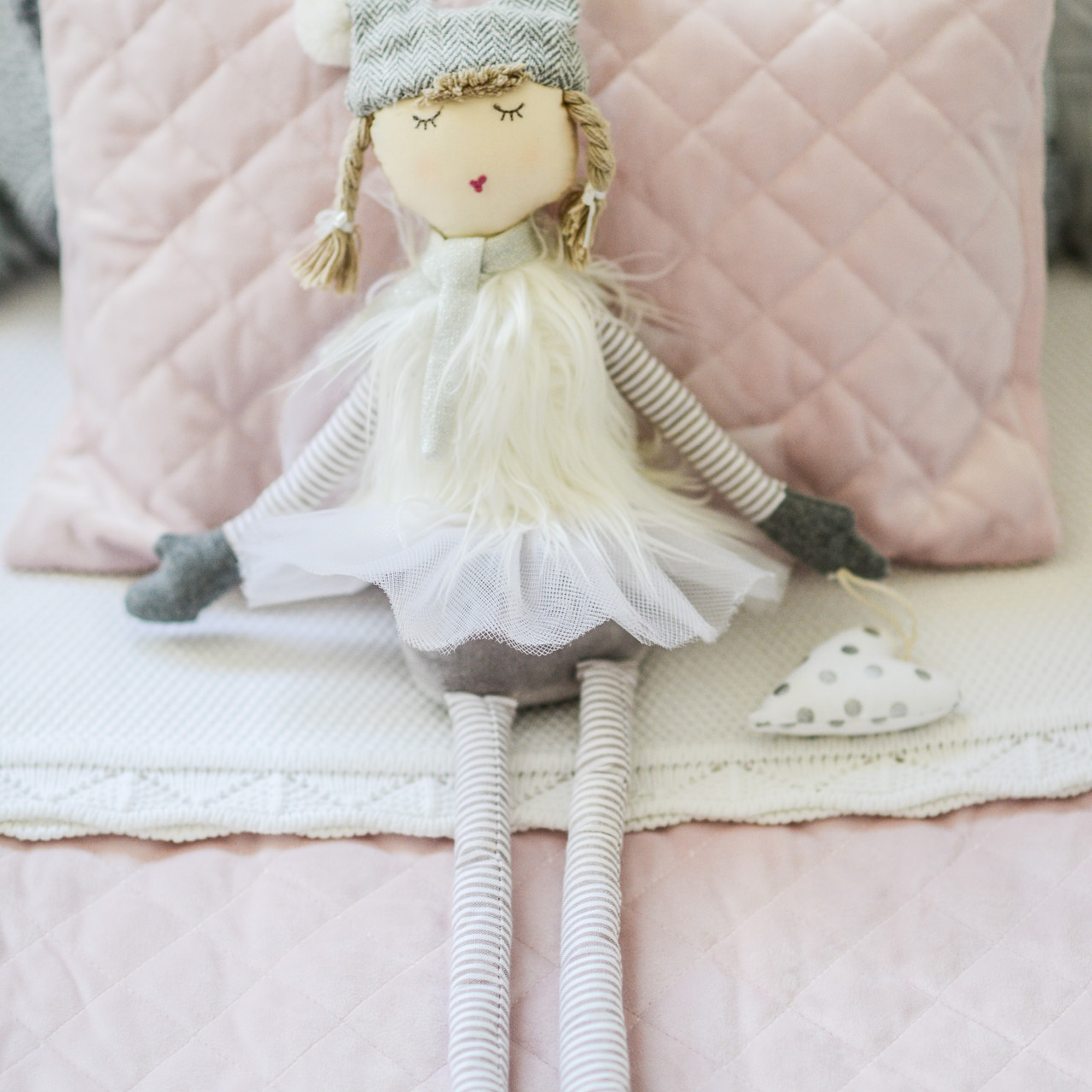 allispretty_interiorstyling_doll.jpg
