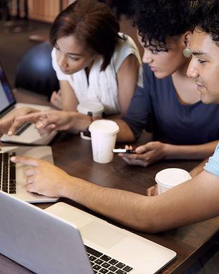 Giovani - Incontro con i computer