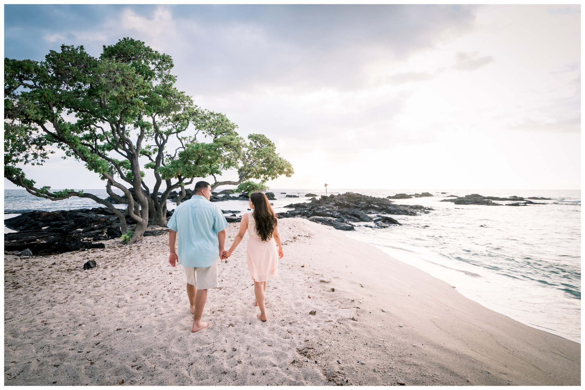 Hawaii Engagement Photographers 14.jpg