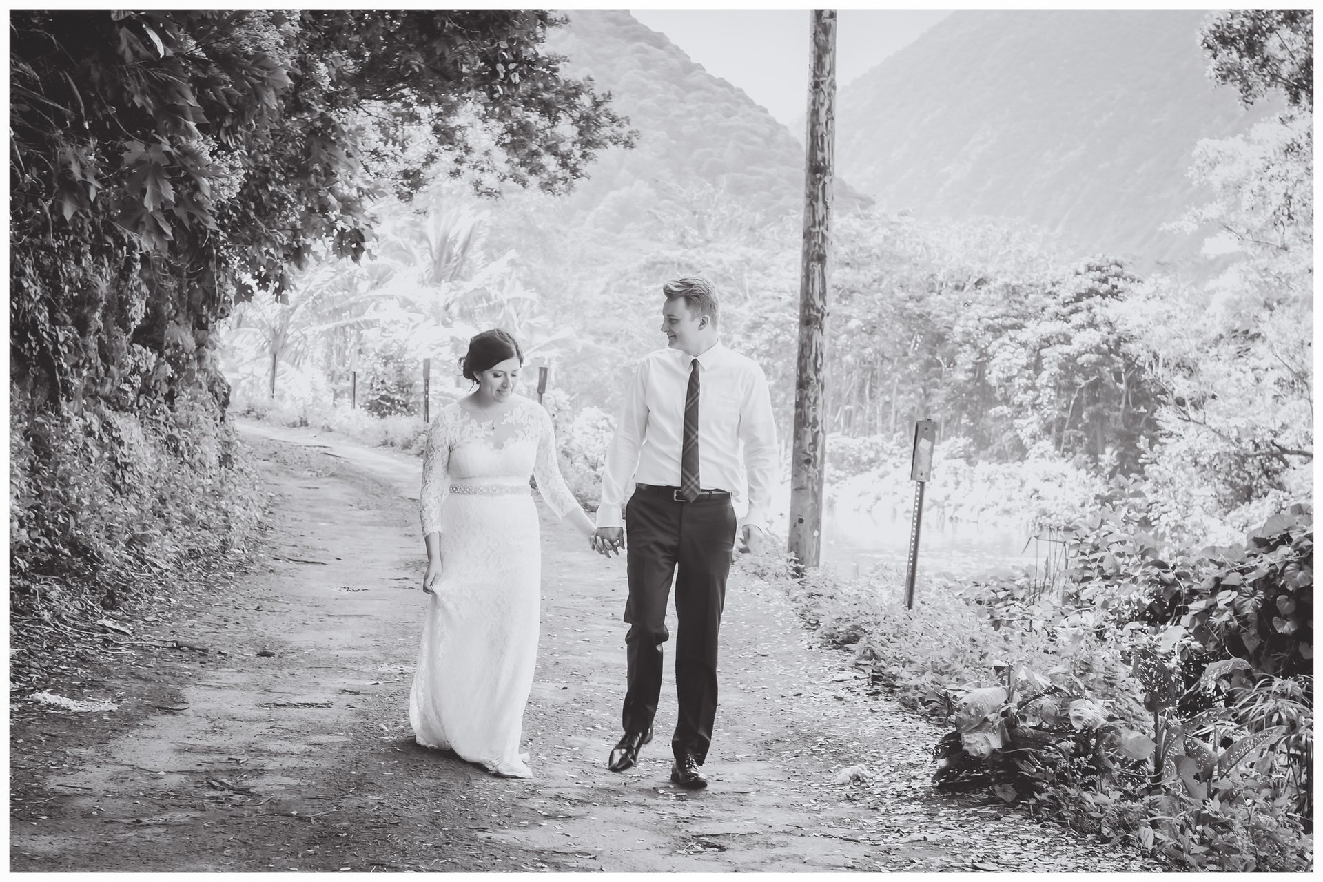 Waipio Valley Weddings-4-2.jpg
