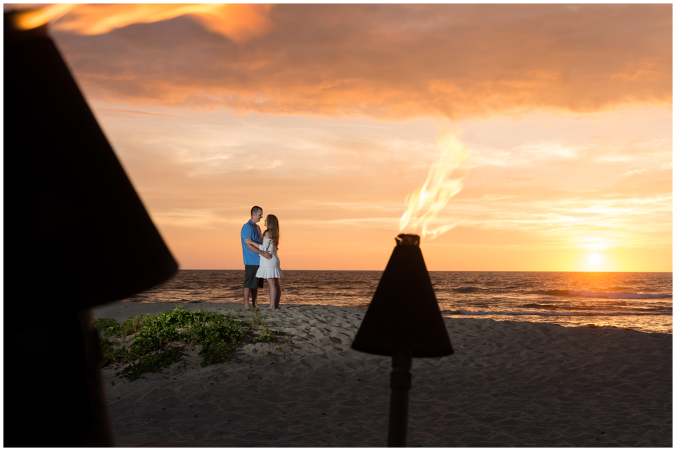 hawaii sunset engagment photography.png