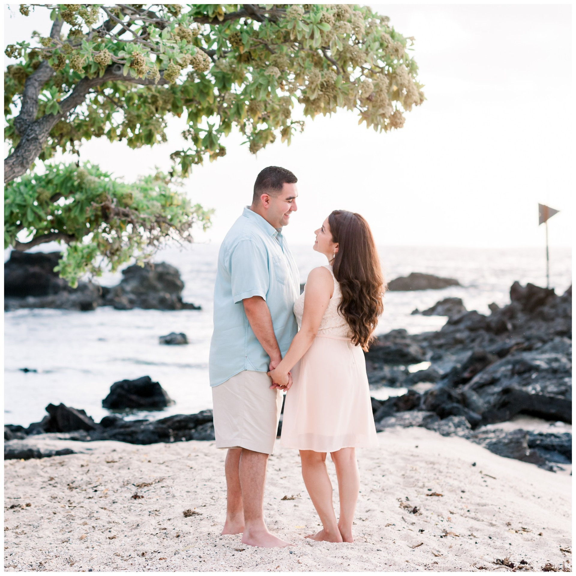 Hawaii Engagement Photographers 16a.jpg
