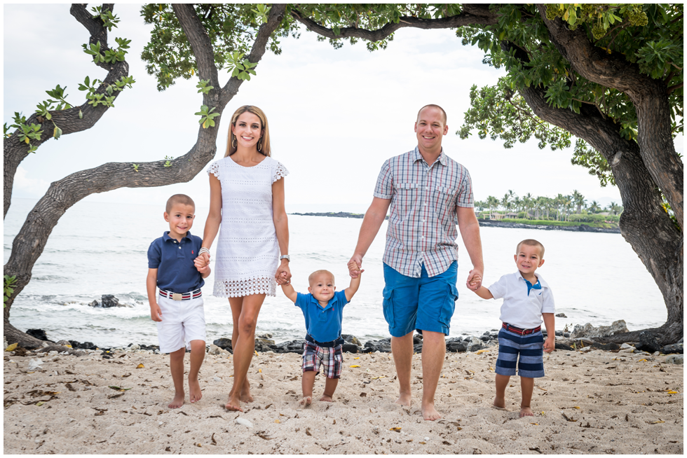 Hawaii family photographer.png