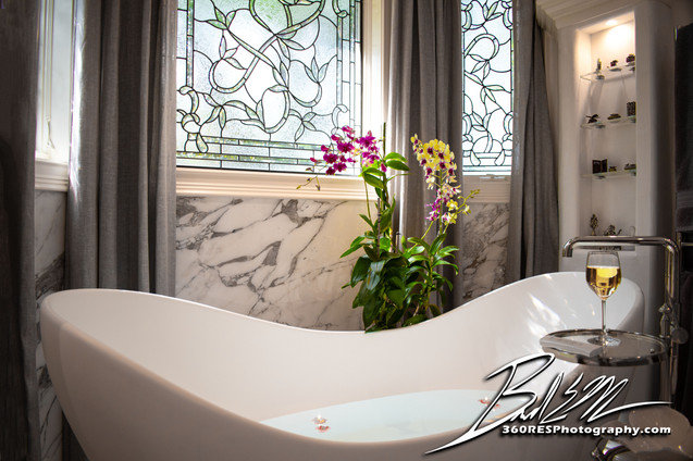 Bathtub - Sarasota, Florida - 360 Real Estate Services, LLC - Photography