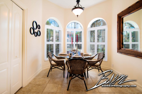 Simple Breakfast Nook - Real Estate Photography - Bradenton & Sarasota, Florida - 360 Real Estate Services, LLC