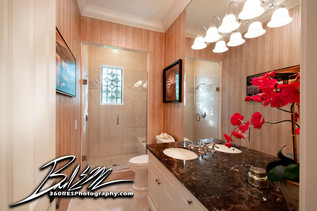 Guest Bathroom - Sarasota, Florida - 360 Real Estate Services, LLC - Photography