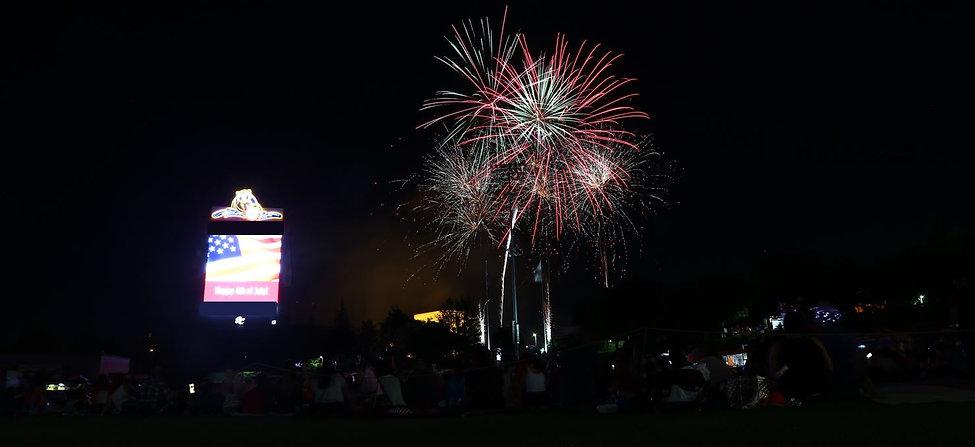 field fireworks.JPG