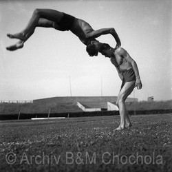 Akrobacie bratří Ogounů, 1942