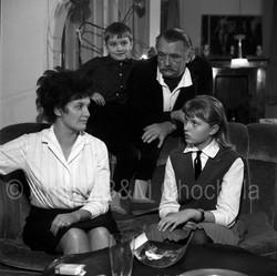 45 Jí Trnka s rodinou Vánoce1963 (1)