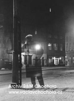 Noční chodec, 1949