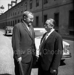 30 Jiří Trnka a Jan Werich, 1963