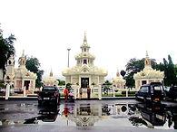 City Pillar Shrine  после дождя