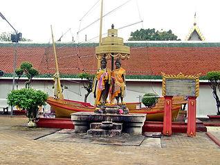 Принц  князь  Тханакуман (Thanakuman) и принцесса королева Хем Чала (Hem Chala).Nakhon Si Thammarat