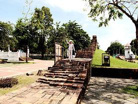 Накхон Си Тхаммарат. Городская стена