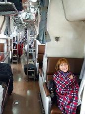 Спальный вагон 2-го класса в поезде в Таиланде huatiaiasia.