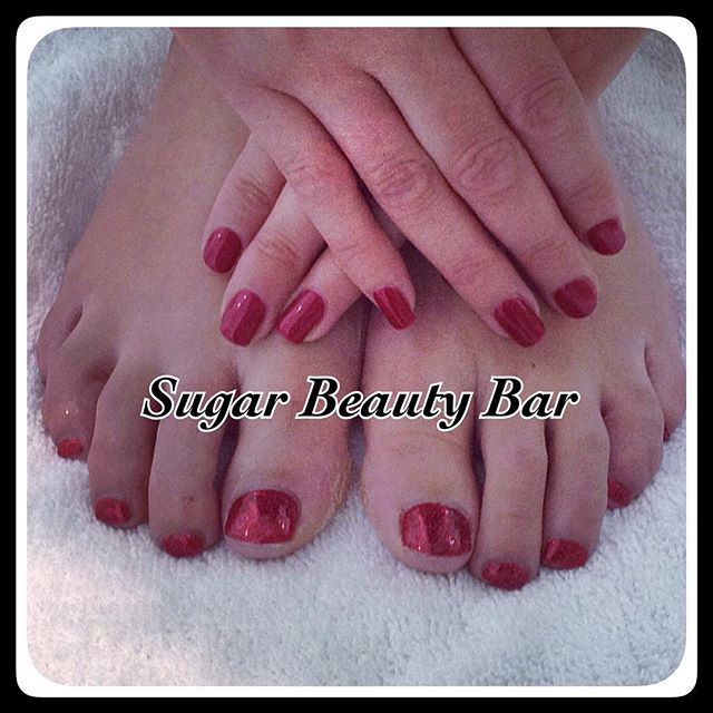 CND Shellac fingers and toes in Red Baroness and red glitter #shellac