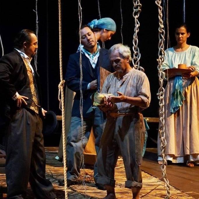 """Actuación en la obra """"El Sitio de las Abras"""" en el Teatro Nacional de Costa Rica."""