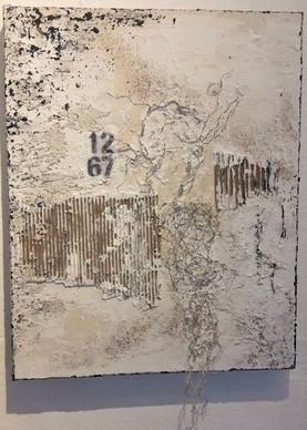 Außer Kontrolle | 2018 |Collage mit Marmormehl, Asche und Bitumen | 40x50cm