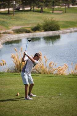 Golfer at the New Vista Fundraiser