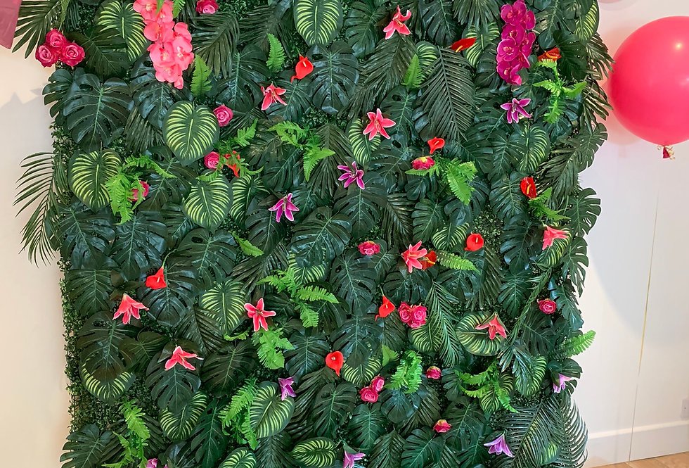 Tropical Foliage Wall - Lush