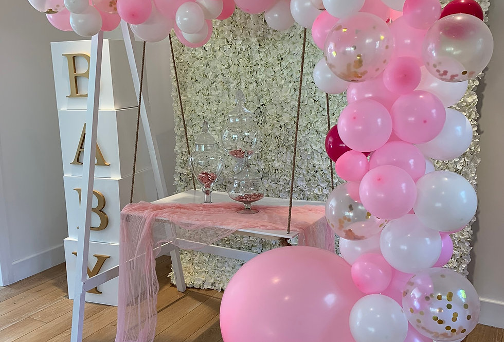 Classic White Cake Swing and Double Balloon Garlands - style B