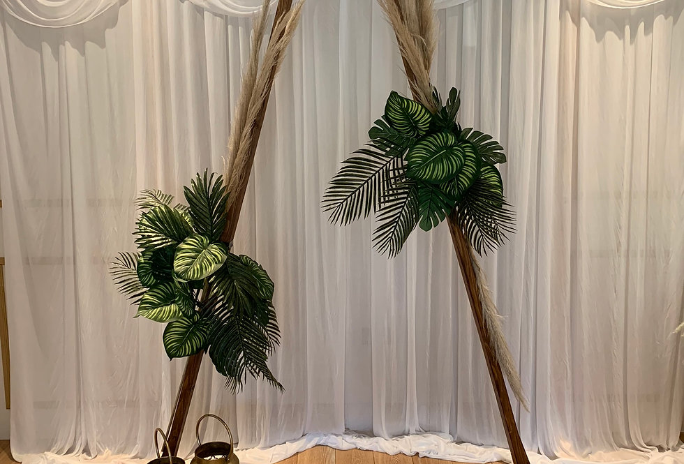 Triangle Arch - Tropical Garlands