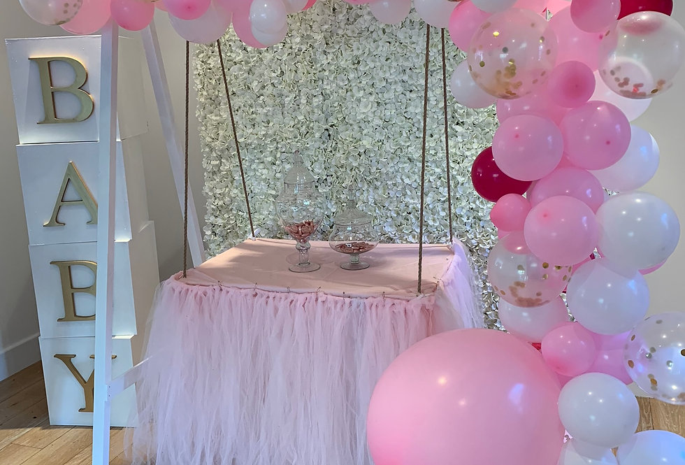 Classic White Cake Swing and Double Balloon Garlands & Tulle Skirt