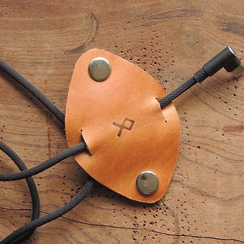 Organizador de cabos em couro Mostarda