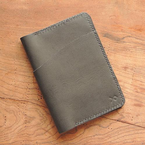 Porta passaporte em Couro Preto