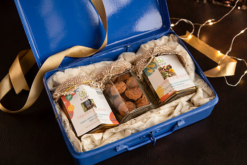 Gift Hamper of Organic Turmeric & Dried Appricots
