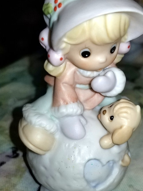 Figurine: Precious Moments-Hug Me Before I Melt-Avon Exclusive-Limited Edition
