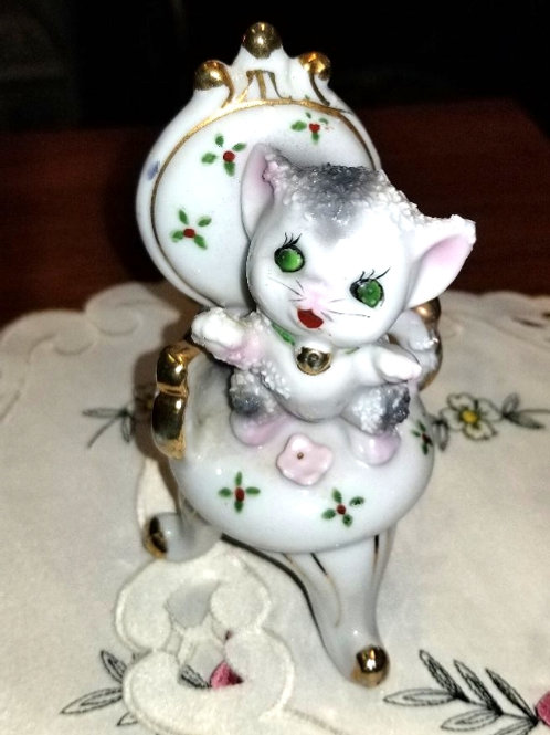 Figurine: Vintage Porcelain Sugar Textured Kitty Cat In High Back Chair