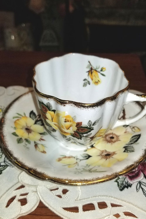 Vintage 1950's Bone China Windsor Teacup and Saucer Yellow Roses with Gold Rim