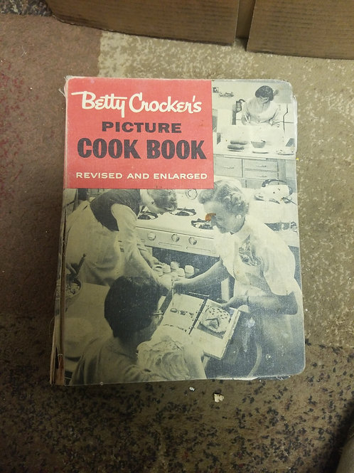 Cookbook: Betty Crocker's Picture Cookbook Revised & Enlarged Text Ed. Bound