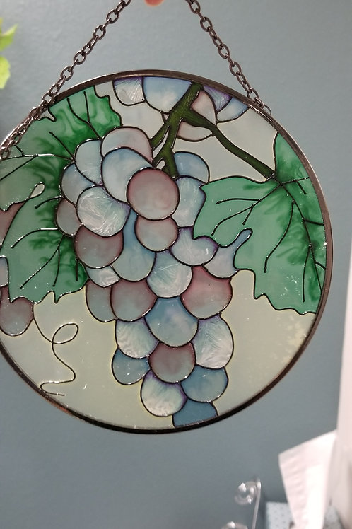Stained-Glass: Round Sun Catcher with Grape motif