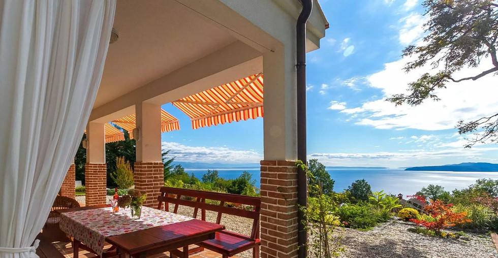 Haus mit Meerblick über Opatija kaufen