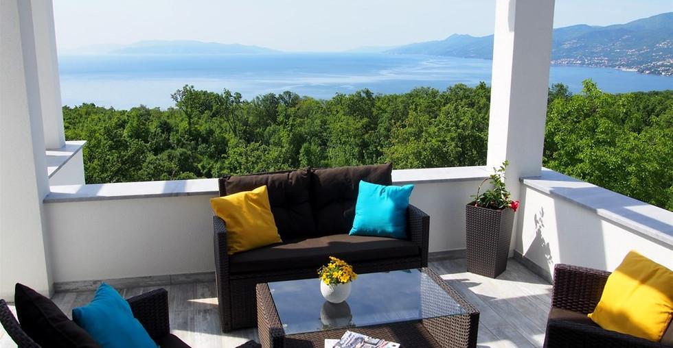 Neue Villa mit Meerblick und Pool bei Opatija