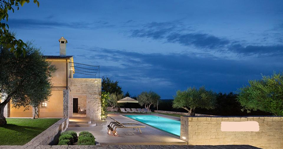 Steinhaus mit Pool bei Porec zu kaufen