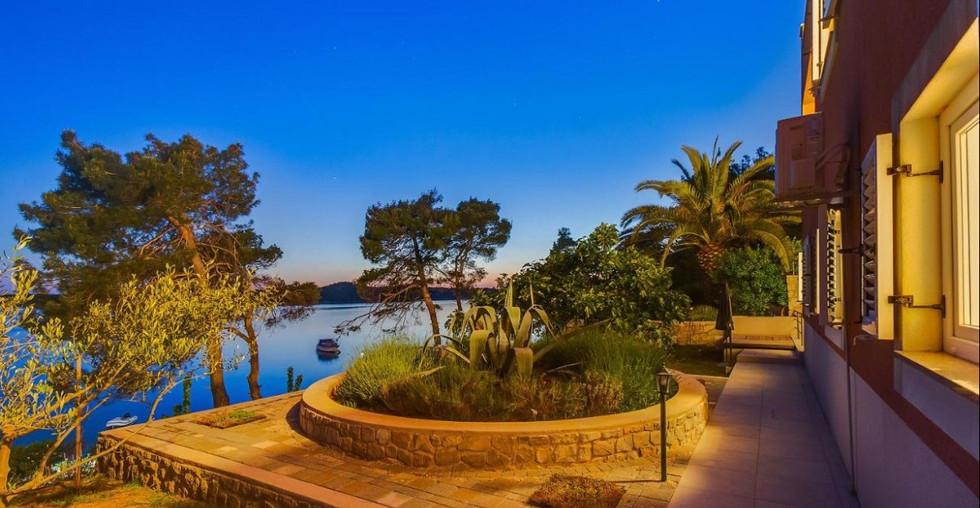 Alleinstehende Villa auf der Insel Losinj in Kroatien kaufen