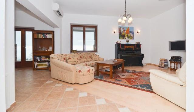 Haus mit Pool in Kroatien bei Opatija Poljane zu kaufen
