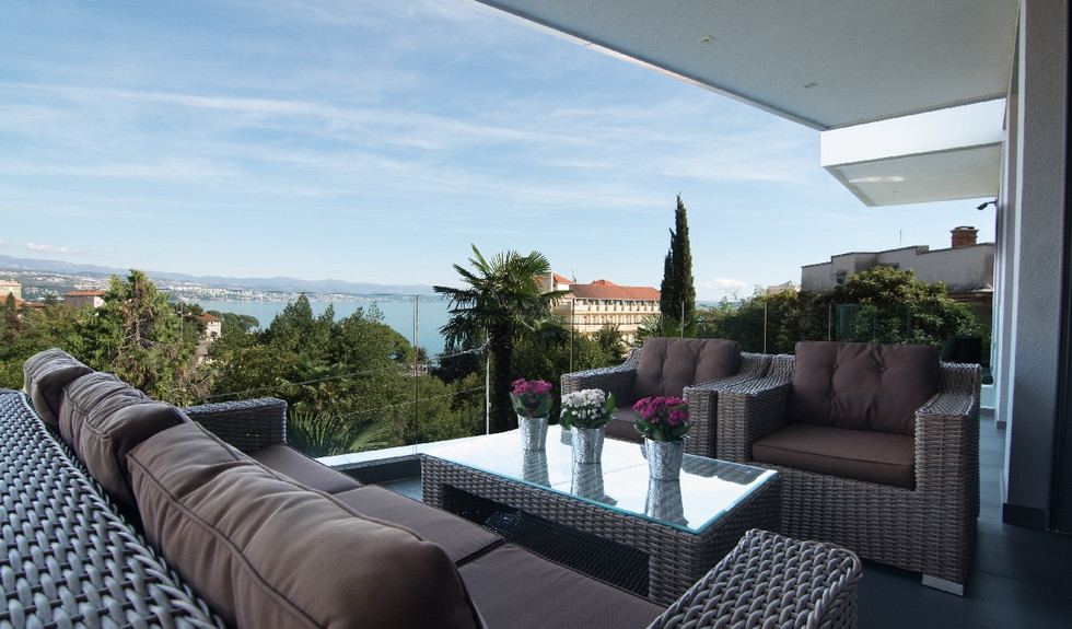 19_croatia-opatija-villa-terrace.jpg