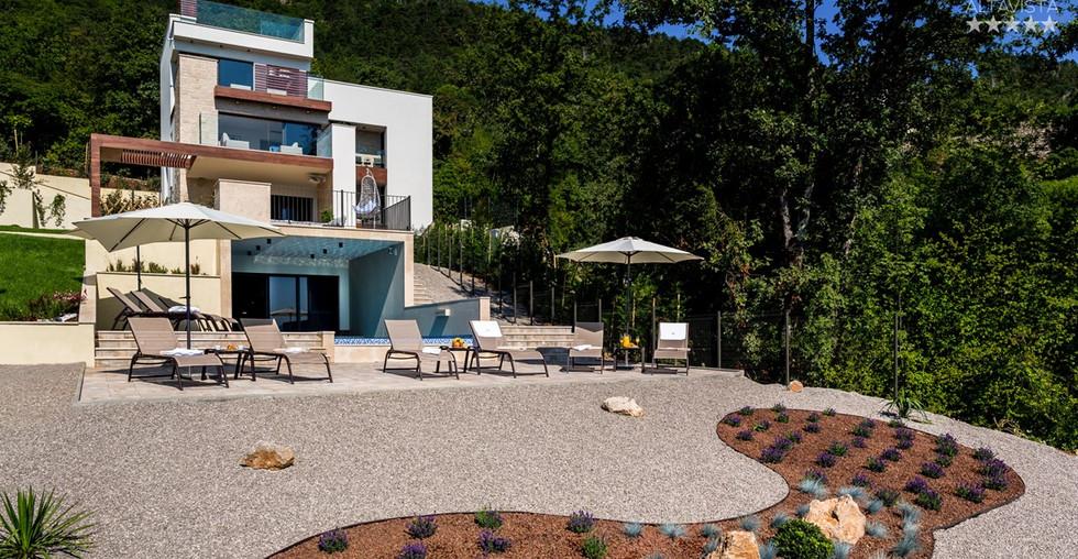 Villa auf großen Grundstück bei Opatija