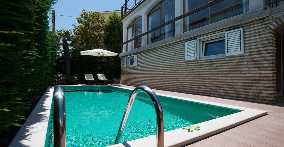 Ferienhaus mit Meerblick in Premantura Kroatien zum kaufen
