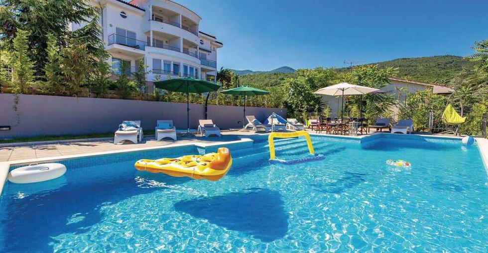 Ferienhaus mit Pool in Kroatien kaufen