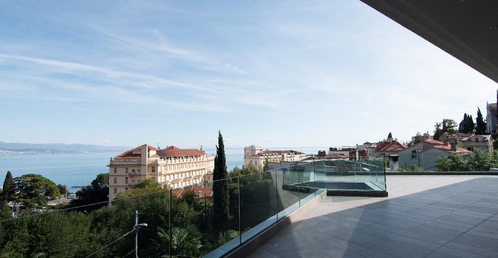 20_croatia-opatija-villa-terrace2.jpg
